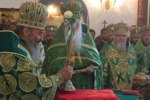 МУКАЧЕВО-ДОНБАС. Керуючий єпархією співслужив Предстоятелю УПЦ в урочистому богослужінні з нагоди 25-річного ювілею Святогірської Лаври